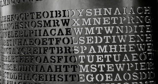 lettres sur un mur
