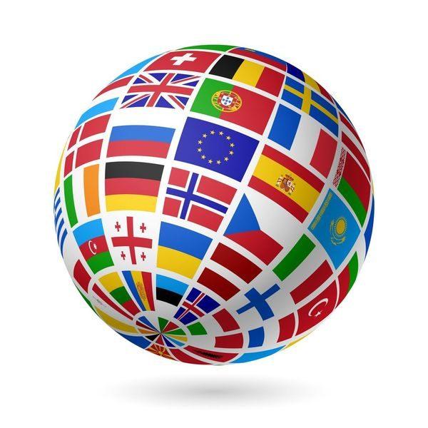 Globe terrestre avec drapeaux européens