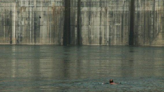 Image extraite du film Sud Eau Nord Déplacer