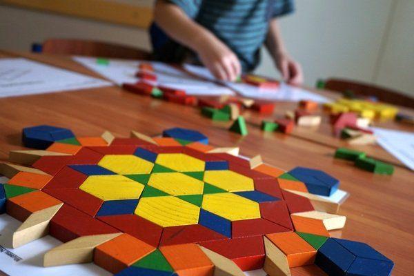 Atelier de récup à la Bpi : jeu de bois