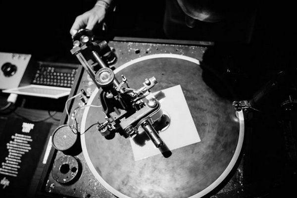 Photo en noir et blanc de platine vinyl