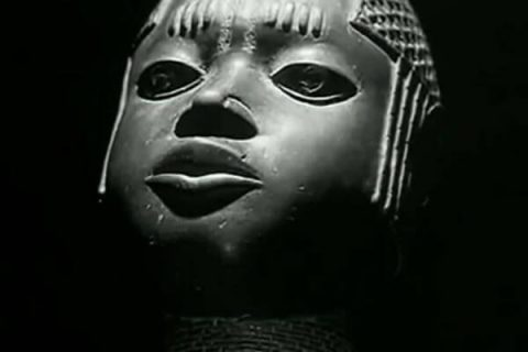 Statue du film Les statues meurent aussi