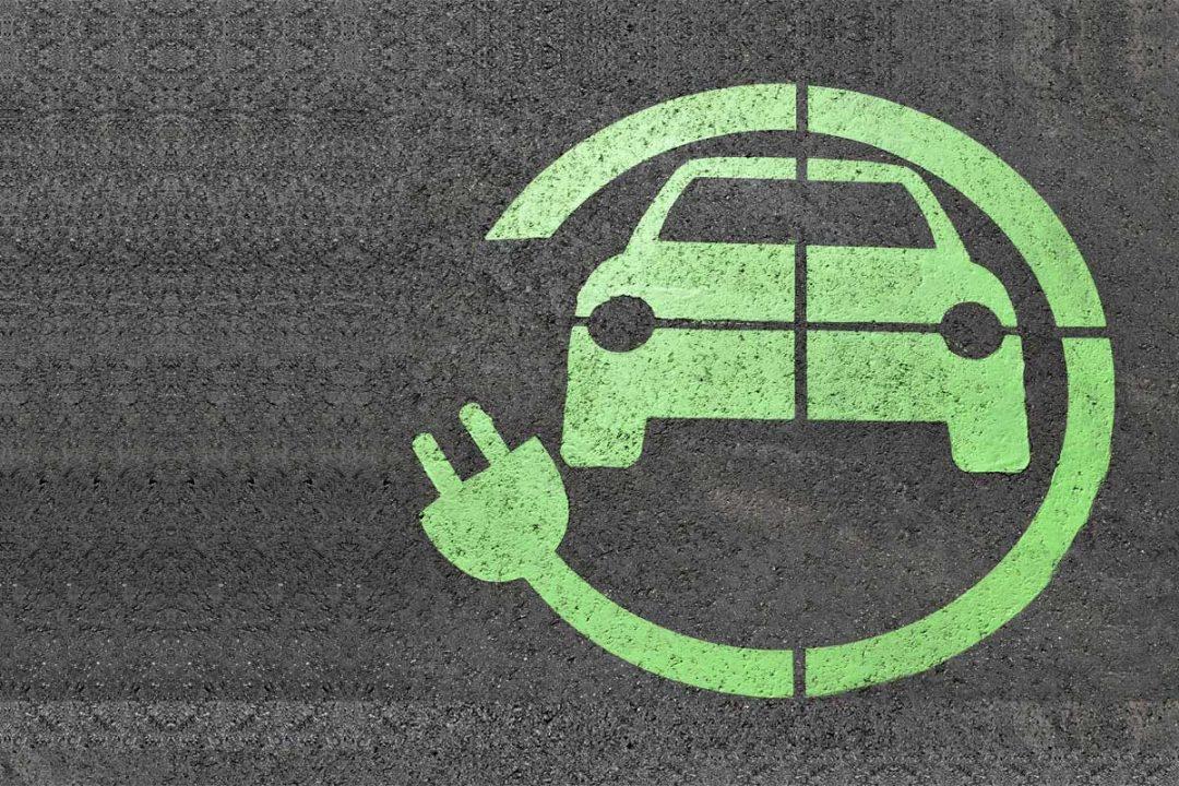 photo d'une place de parking pour voiture électrique.